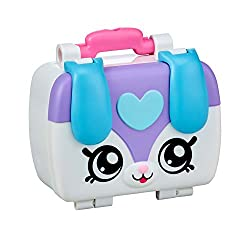 Pack up the Kindi Kids Fun Lunch Box with Shopkins treats and get ready to go and play at Rainbow Kindi with the Kindi Kids Comes with 3 Shopkins for a yummy lunch at Rainbow Kindi: A Stackable Sandwich, a Magic Spoon and a Fruit Cup treat See the Ki...