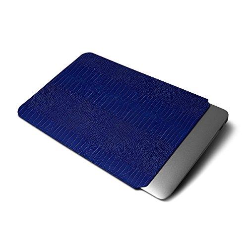Lucrin - Funda Compatible con MacBook Air 13 Pulgadas - Cielo Azul - Piel Coco...