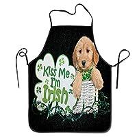 聖パトリックの日ダルメシアンの子犬のイースターエッグ。女性用エプロンキッチンとクッキングエプロン
