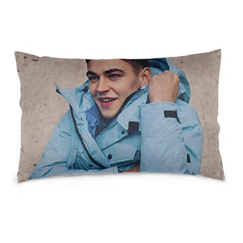 Hengtaichang Hero Fiennes Tiffin Throw Pillow Covers Moda Decorativa Almohada de Microfibra Suave Ropa de Cama Fundas de Almohada de 14 'X 20' con Cremallera Oculta