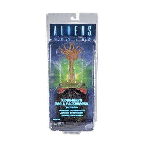 Aliens - Huevo y Face Hugger con luz, figura de 11 cm (Neca NEC0NC51386)