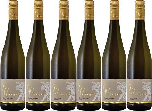 Georg Naegele - Schlossbergkellerei Hambacher Schlossberg Chardonnay QbA 2018 Trocken (6 x 0.75 l)