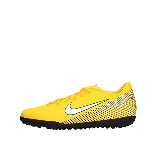 3. Nike Men's Vapor 12 Club Football Shoes