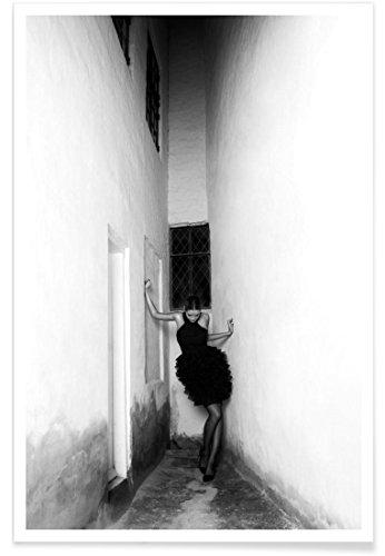 """JUNIQE® Modefotografie Schwarz & Weiß Poster 20x30cm - Design """"Noir"""" entworfen von MAIMOUSELLE"""