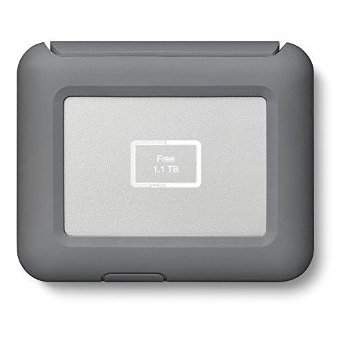 LaCie dji Copilot Boss - Banco de alimentación y Respaldo Directo sin Ordenador con Lector SD, 2000 GB + 1mo Adobe CC Todas Las Aplicaciones (2 TB)