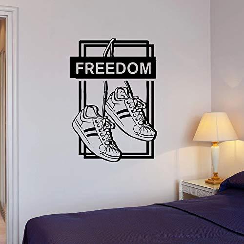 Calcomanías de pared gratis zapatillas de deporte adolescentes niños adolescentes dormitorio decoración del hogar puertas y ventanas pegatinas de vinilo texto creativo mural