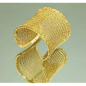 breite und edle Armspange gehäkelt aus 24ct vergoldetem Draht