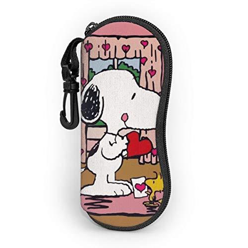 Funda protectora para gafas de sol con diseño de Snoopy de dibujos animados, funda de neopreno suave con clip para cinturón.