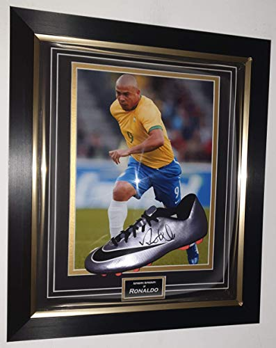 www.signedmemorabiliashop.co.uk Zeldzame Ronaldo van Brazilië ondertekend en ingelijst voetbalschoen * AFTALE DEALER COA *