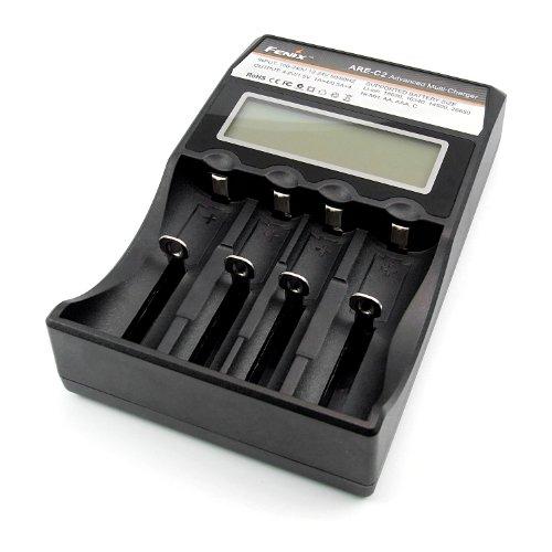 Fenix Are-C2 4-Schacht Ladegerät schwarz