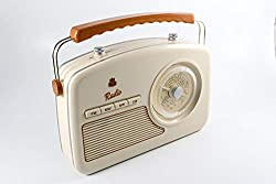 Portable with ergonomic handle Listen to your favourite stations on MW, LW, FM or SW Retro rotary controls for Tone and Volume settings Easy-to-read rotary tuning dial Mains or battery operated (6 x C batteries - not included)