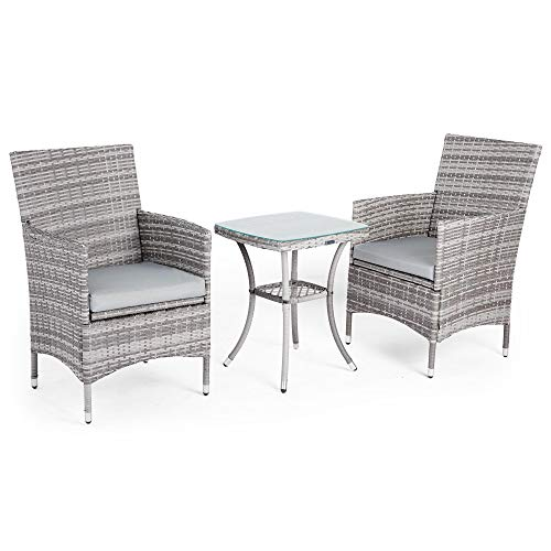 VonHaus Gartenmöbel Set aus PolyRattan - Bistro Set 2-Sitzer Sessel plus mit Glasplatte bedecktem Tisch für Garten und Terrasse - Sofa-Garnitur Lounge Farbe Grau