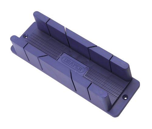 290 mm X 58 X 56 mm MIDI Boîte à onglet-moyenne Matériau recyclé résistant aux impacts deux 45° et 90° avec un guide sur les deux edges. La base possède deux emplacements pour vis de fixation Idéal pour tableau-bench. rails. Vendu en vrac.