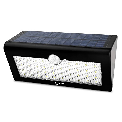 AUKEY Solarleuchten LED Solar Wandleuchte Solarlampe mit Bewegungsmelder Aussenleuchten Drahtlose IP65 Sicherheitslicht Lampen 38 Stücke LED für Wand, Garten, Terrasse, Treppen (LT-SL1)