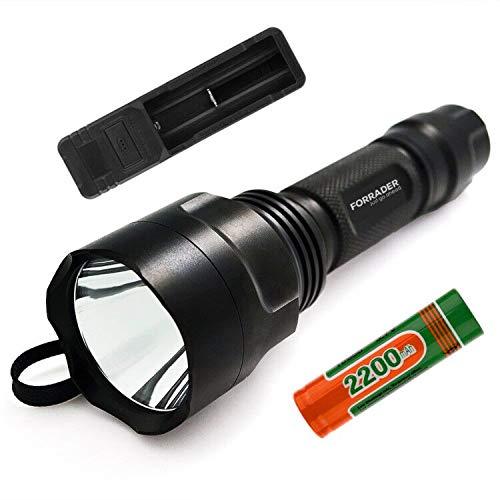 Forrader C8 XM-L2 U3 - Linterna LED superbrillante con interruptor de botón trasero controlado por 5 modos, color negro (con batería y cargador) ⭐