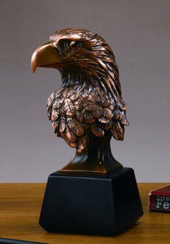Estatua de cabeza de águila, escultura