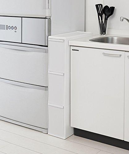こちらは幅17cmと場所を取らないゴミ箱。3段になっていて、一台で分別できるタイプです。キッチンのデッドスペースを活かせそう!