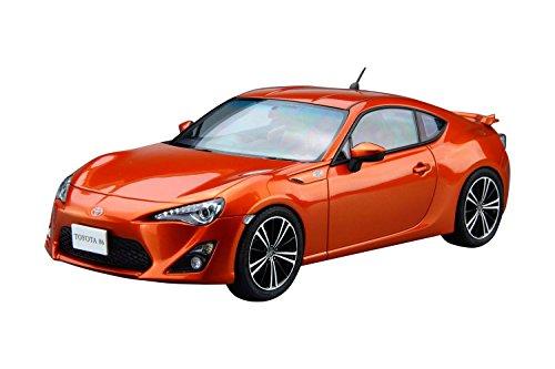 Aoshima Bunka Kyozai 1./2..4. Le modele de voiture Toyota ZN6. TOYOTA8.6. 1.2 .. modele en plastique