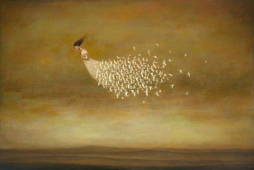 Art-Galerie Digitaldruck/Poster Duy Huynh - Freeform - 104 x 70cm - Premiumqualität - Traumwelt, Surreal, Frau, Schwebende, Leichtigkeit, vögel, weiße Vögel, Freiheit - Made IN Germany SHOPde