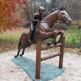 Bronze Tierfigur mit Pferd - Gartenfigur -