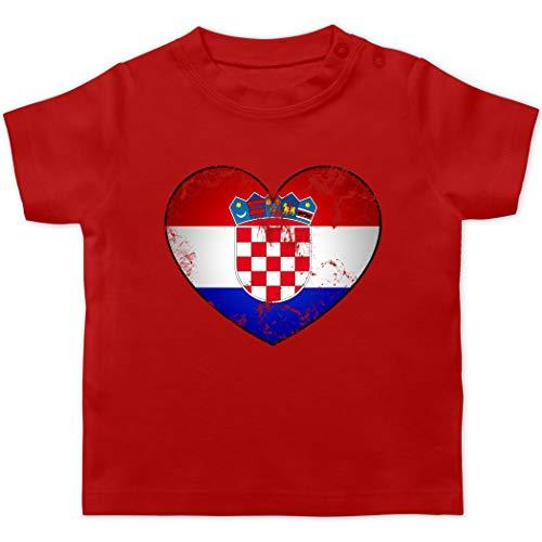 Fußball-Europameisterschaft 2021 - Baby - Kroatien Vintage Herz - 1/3 Monate - Rot - Trikot Baby - BZ02 - Baby T-Shirt Kurzarm