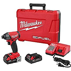 milwaukee-cordless-impact-driver-kit