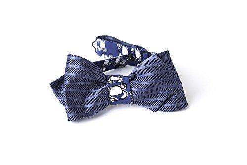 Cravatta a Farfalla da Annodare Double Face in Seta da Uomo nei Colori Blu Scuro a Righe e Navy con Stampa Bianca Animalier, Taglia e Cinturino Regolabile e Chiusura con Gancio