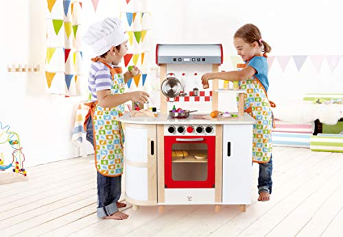 Hape E8018 - Küchentraum, Kinderküche inklusive Zubehör (Topf, Pfanne, Pfannenwender und Schöpflöffel), Spielküche aus Holz - 3