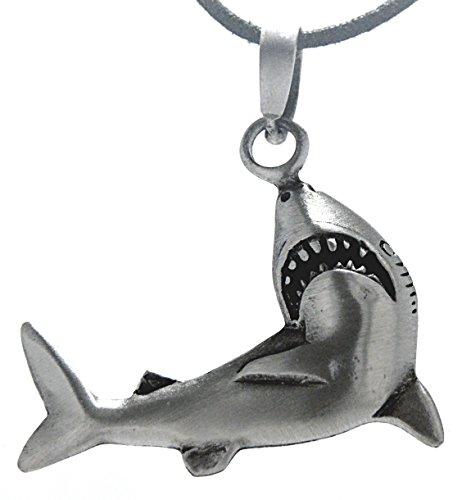 Kiss of Leather Haifisch Anhänger aus Zinn mit Baumwollband