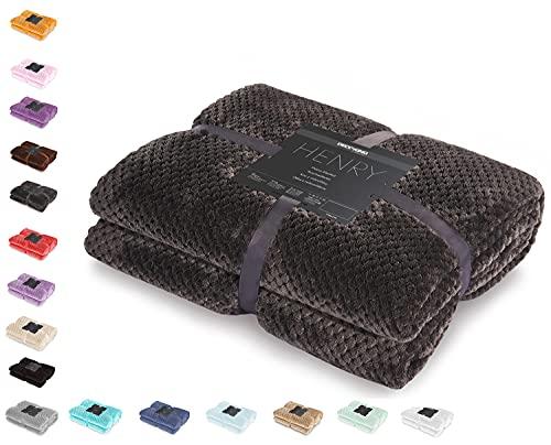 DecoKing Kuscheldecke 70x150 cm Graphit Decke Microfaser Wohndecke Tagesdecke Fleece weich sanft kuschelig skandinavischer Stil grau anthrazit Henry