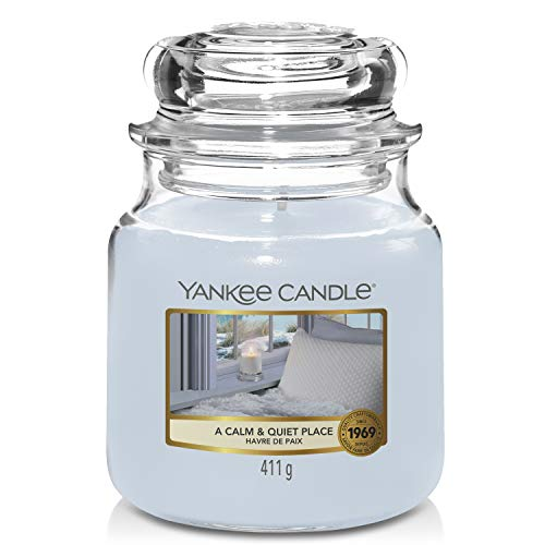 Yankee Candle Candela profumata in giara media | Un posto calmo e tranquillo | Durata Fino a 75 Ore