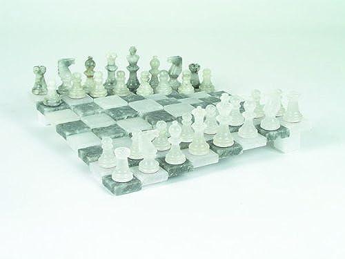 Au gew liches Schachspiel aus Alabaster