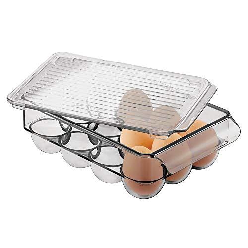 mDesign Portauova per 12 uova – Grande contenitore uova impilabile con coperchio e manici – Organizer frigo in plastica robusta – grigio fumo
