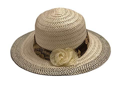 Sombrero blanco con forma redonda, franja marrón y flor blanca