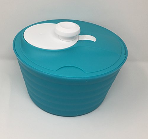 Tupperware Spin 'N Save Salad Spinner in Light Blue
