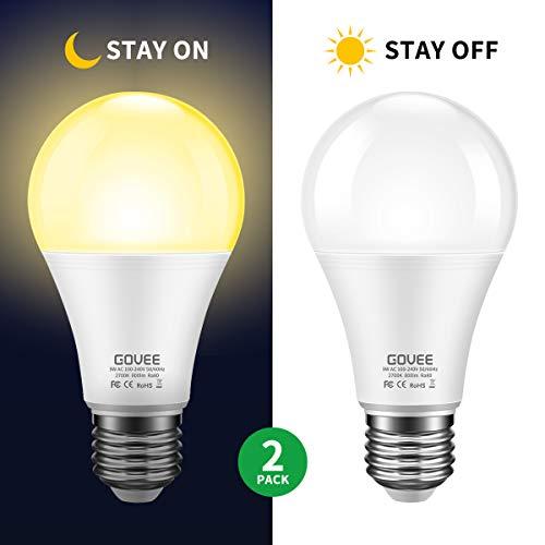 Govee Dusk to Dawn Light Bulb, 9W (70 Watt Equivalent) 800lm Smart Sensor LED Light Bulb, E26/E27 Automatic On/Off, Indoor/Outdoor Lighting Bulb for Porch Hallway Garage (Warm White, 2 Packs)