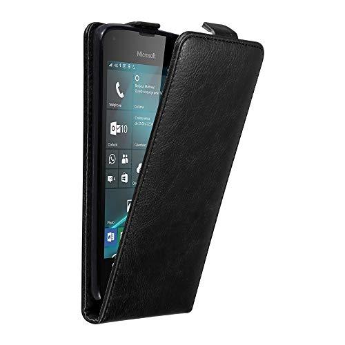 Cadorabo Hülle für Nokia Lumia 550 in Nacht SCHWARZ - Handyhülle im Flip Design mit unsichtbarem Magnetverschluss - Hülle Cover Schutzhülle Etui Tasche Book Klapp Style