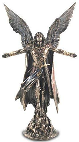 CAPRILO. Figura Mitológica Decorativa de Resina San Uriel. Adornos y Esculturas. Decoración Hogar. Regalos Originales. 28 x 16 x 8 cm.