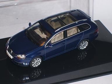 VW VOLKSWAGEN GOLF V 5 VARIANT KOMBI BLAU 1/43 AUTOART AUTO ART MODELLAUTO MODELL AUTO SONDERANGEBOT