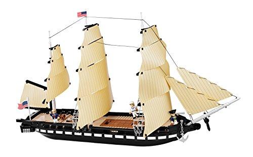 """Caravela """"USS Constitution"""" Blocos para Montar com 800 Peças Cobi Blocos de Montar Marrom"""