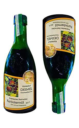 Günstiges Probierangebot 2x500 ml Kürbishof DEIMELs Steirisches Kürbiskernöl ggA. Direkt von uns als Erzeuger geliefert. Das Original Kürbisöl 100{5ed1ee461ec81f93e1de1b5695ff0b07e1688767b6809fa80563dfc40920549e} rein! Kürbishof DEIMEL wurde prämiert durch Gault&Millau Österreich und ist prämierter Erzeuger von Steirischem Kürbiskernöl in der Steiermark / Austria.
