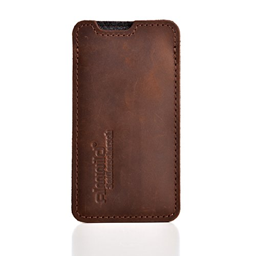 Almwild Hülle, Tasche passend für Apple iPhone 12 Pro Max aus echtem Rinds- Leder. In Braun. Handyhülle in Bayern handgefertigt. Modell Sattlerschorsch