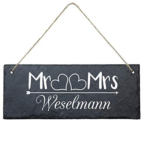 Geschenke 24 Schiefertafel personalisiert für Ehepaare mit Familienname (eckig - 25 x 10 cm - Mr & Mrs) - Schieferplatte Deko, Eingangstür Haustür, Türschild - Hochzeitsgeschenk, Wanddeko