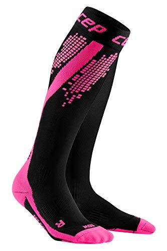 CEP – NIGHTTECH Socks Redesign für Damen | Bunt reflektierende Laufstrümpfe in pink | Größe II