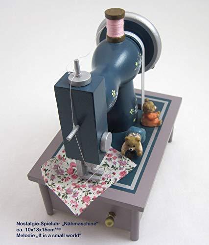 """Spieluhr """"Nähmaschine"""" aus Holz, in einem wunderschönen nostalgischen Design mit vielen kleinen Details, die Teddybären nähen fleißig zur Melodie """"It is a small world"""", ausgezeichnete Klangqualität - 4"""