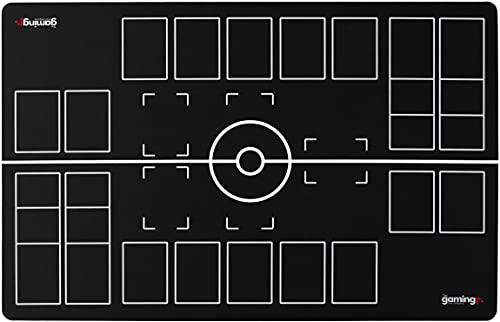 The Gaming Mat Company Tapis de Jeu GMC Deluxe pour 2 Joueurs, Noir, Blanc et Compatible au Stade Pokemon
