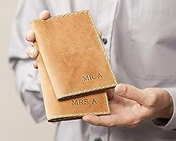 2X Marrone chiaro porta-passaporto personalizzato di pelle, documenti di viaggio con tasche per carte e soldi,...