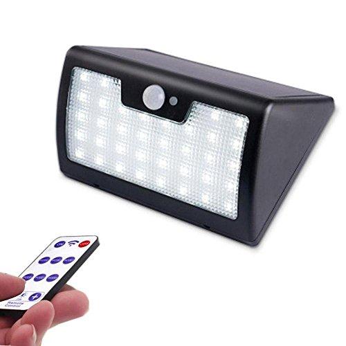 LEDセンサーウォールライト 屋外設置可 高輝度LED合計40灯 リモコン付属 ソーラー充電で電源不要 動体センサーで自動点灯 緊急点灯モード IP65防滴仕様 夜間の防犯に FMTRSL40
