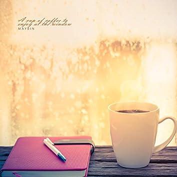 창가에서 즐기는 커피 한 잔