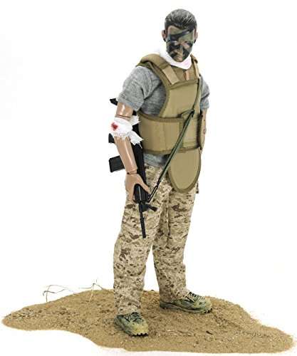 12 military action figures - 4